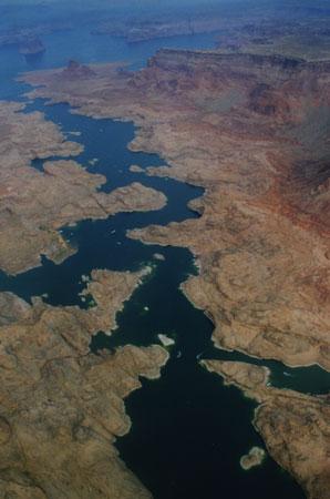 Lake Powell zletadla